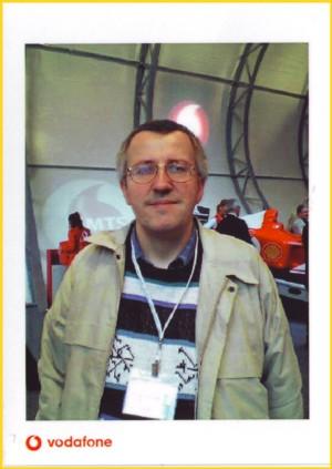 Die Bildseite dieser MMS Postkarte - der Autor auf Recherchereise auf der CeBIT 2004