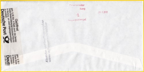 Die viel interessantere Rückseite eines amtlich geöffneten Briefumschlags mit einen zusätzlichen nicht alltäglichen postalischen Nebenstempel