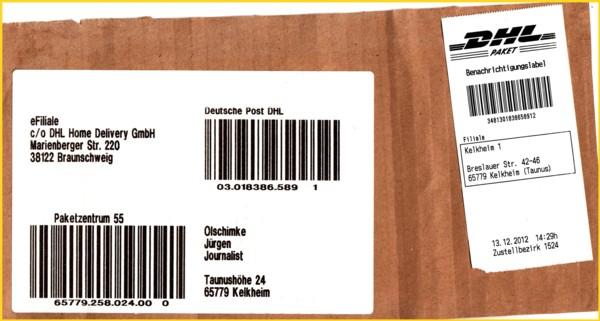 Das weitergeleitete Paket mit dem neuen Benachrichtigungslabel ausgedruckt über den mobilen Scanner mit integrierten Drucker