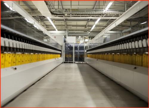 Pressefoto von Siemens - Blick von vorne im Inneren der Maschine nach hinten - hier sind nur Techniker imEinsatz, falls es mal eine Störung gibt